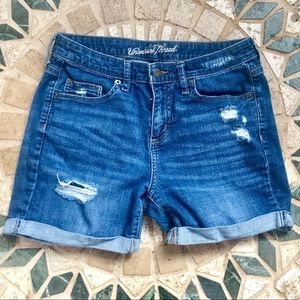 ✨Universal Threads Jean Shorts✨